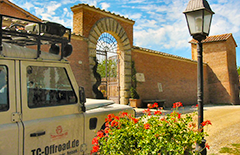 TC-OFFROAD-TREKKING, Toskana,Offroad Adventure, geführte Reisen, Offroadgelände, Offroad Geländewagen, Abenteuerreisen,Alpen, Pyenäeen, Karpaten,Marokko, Sardinien, Offroad Korsika